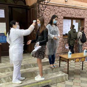Абітурієнти склали перші тестування з хімії та іноземних мов
